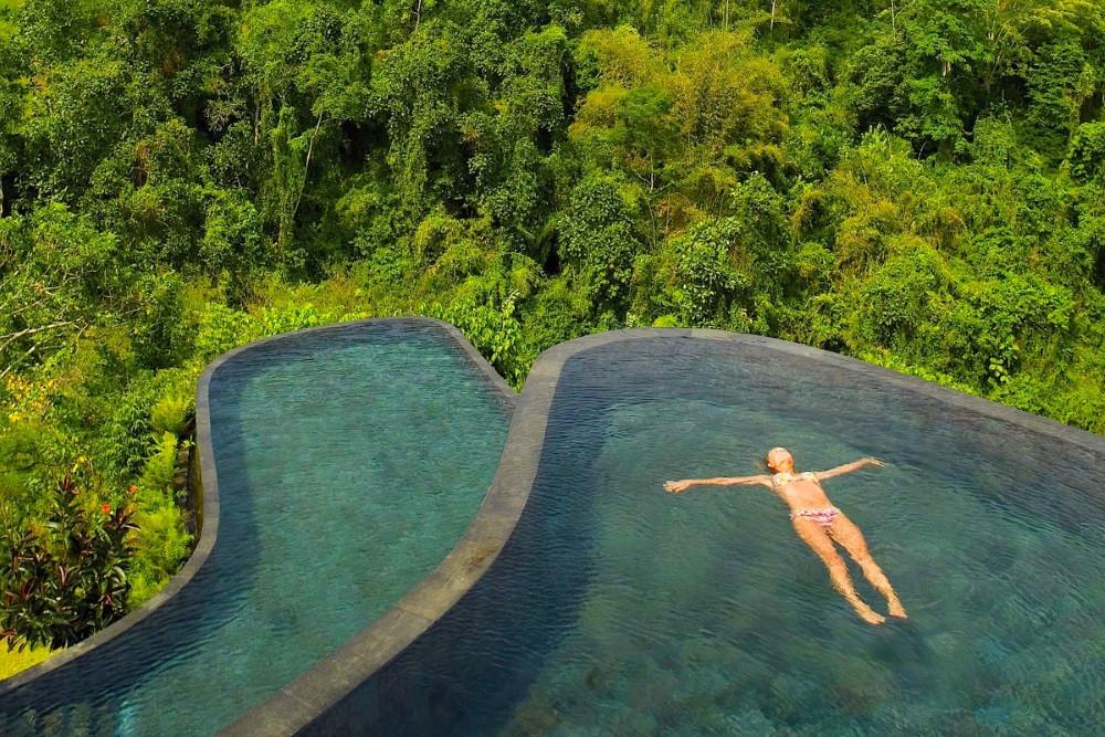 se baigner dans la plus belle piscine du Monde