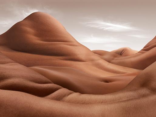Les Bodyscapes, les déserts nus de Carl Warner
