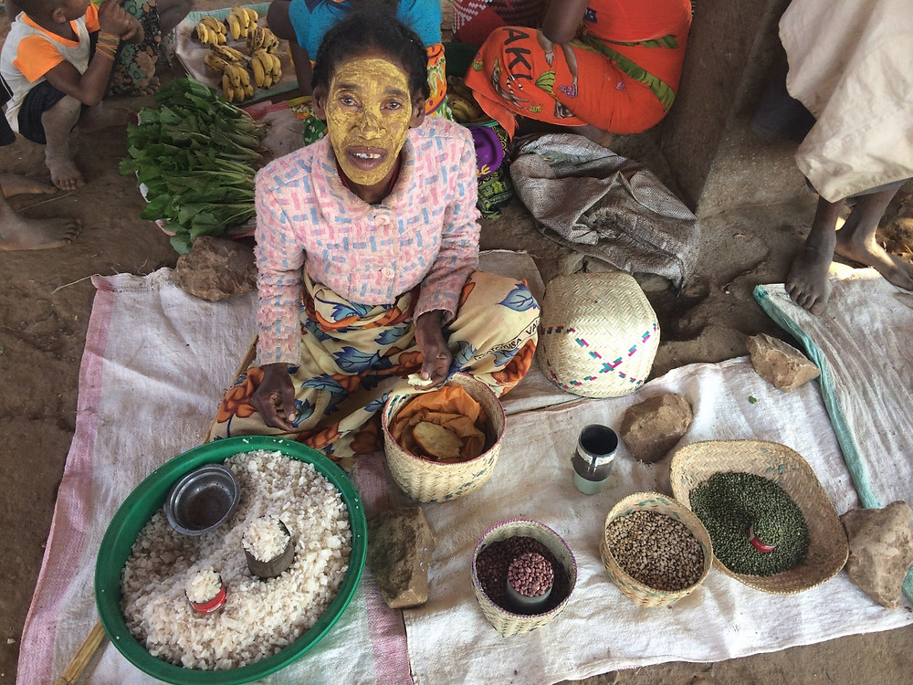 vendeuse village Tsiribihina Madagascar