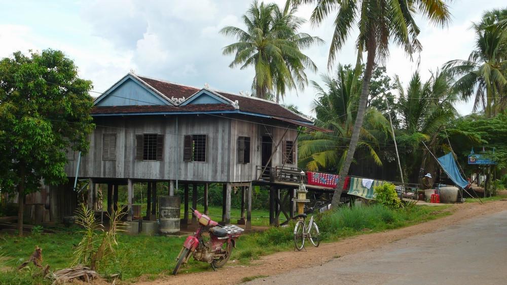 Maisons sur pilotis Kratie Cambodge