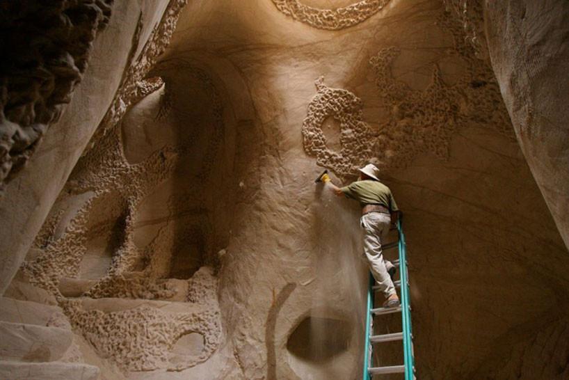 grottes sculptées