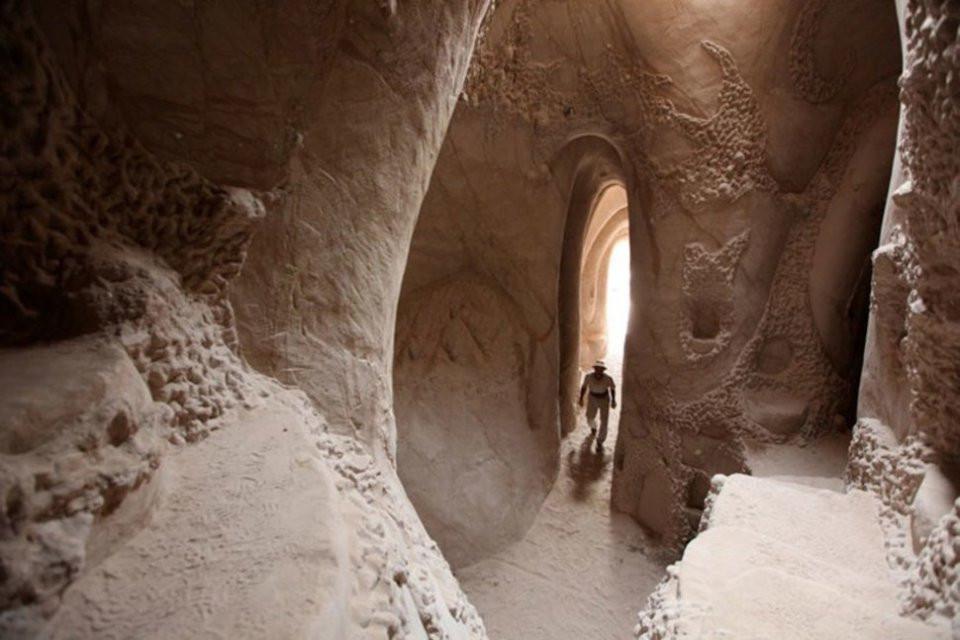 grottes sculptées de Ra Paulette