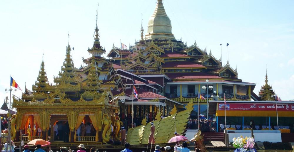 pagode Phaung Daw U Birmanie