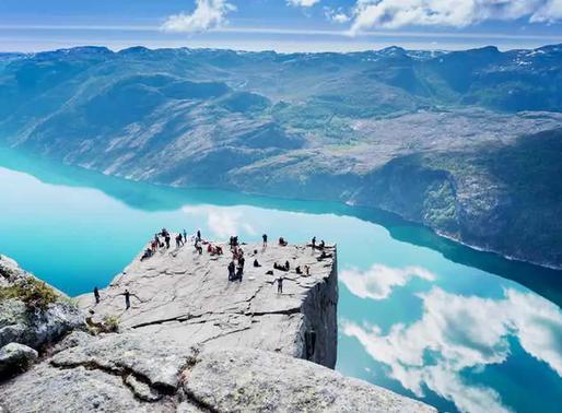Pulpit Rock, la falaise Preikestolen en Norvège
