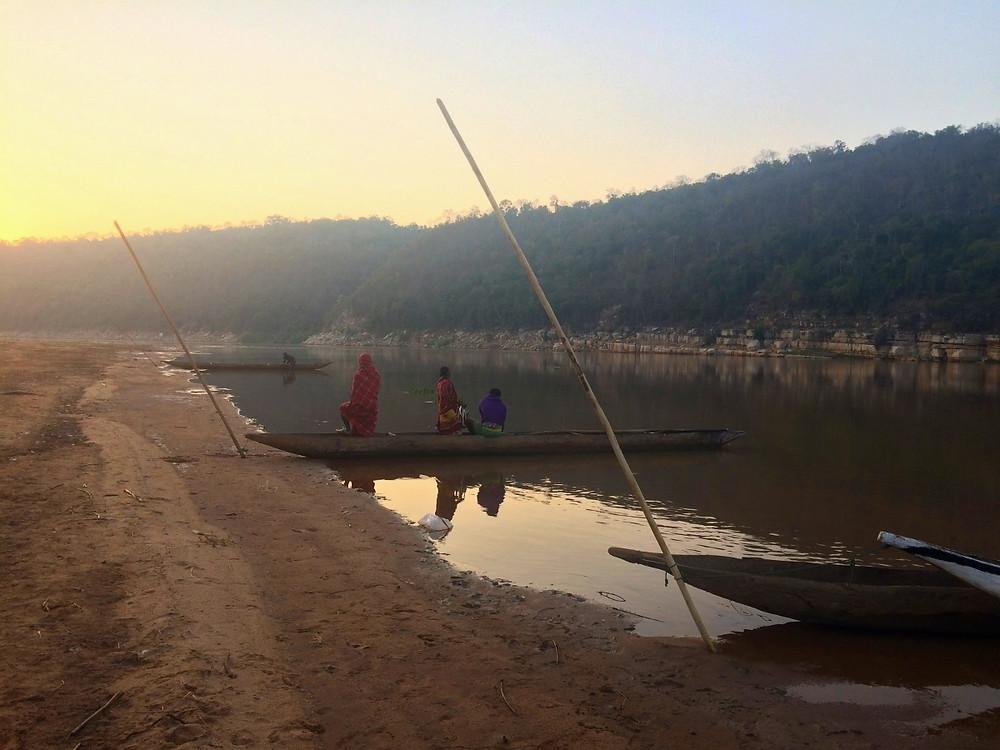 lever du soleil pirogue sur la Tsiribihina