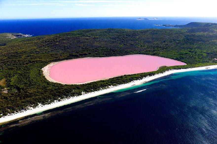 Le Lac Hillier de Mddle Island en Australie