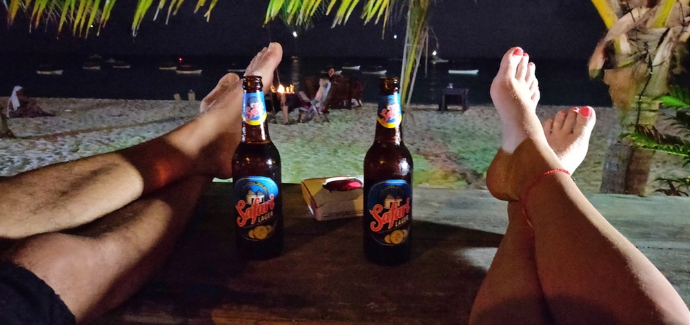 bar Nungwi by night