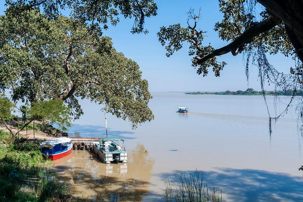 bateau lac tana