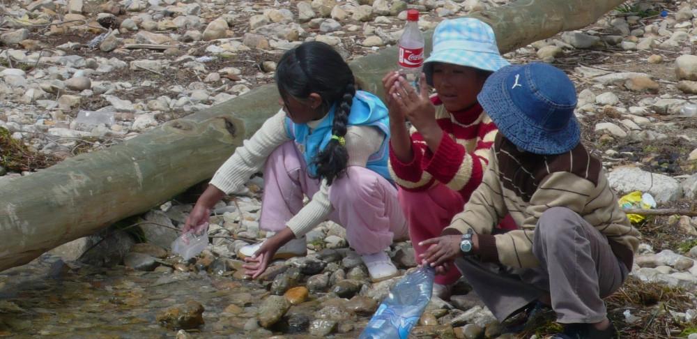 isla del sol bolivie enfants sur la plage