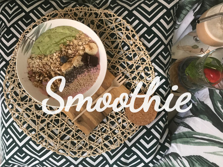 Smoothie Bowl. Avocado & Strawberry