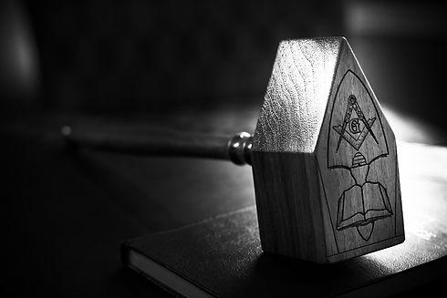 09-custom-freemason-masonic-walnut-commo