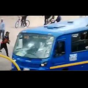 En las Américas cogieron a piedra a un bus de Transmilenio