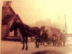 School bus circa 1918
