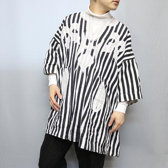 design shirts  /BLK WHT