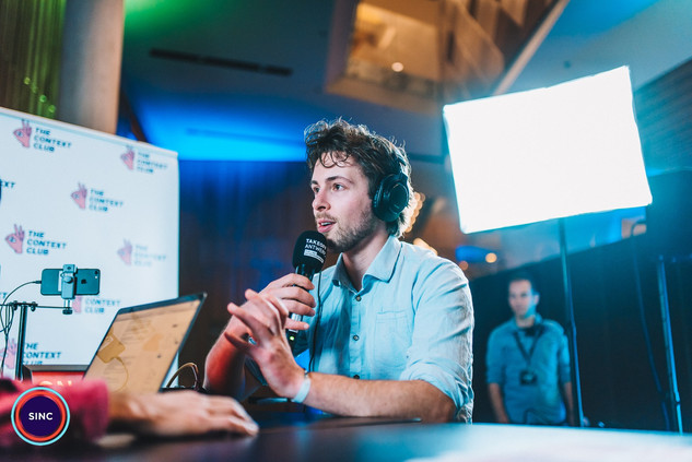 During SINC's event FUTURE ENTREPRENEURSHIP 2019, more than 1K youngsters gathered in the magnificent Queen Elizabeth Hall. Afterwards, TAKEOFFANTWERP_ALLIANCE could have a talk with the 4 keynote speakers. Siard Vandenbosch, founder of The Context Club, hosted this small talks.