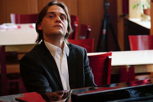 Tzvetan_Petkov_klavierlehrer.jpg