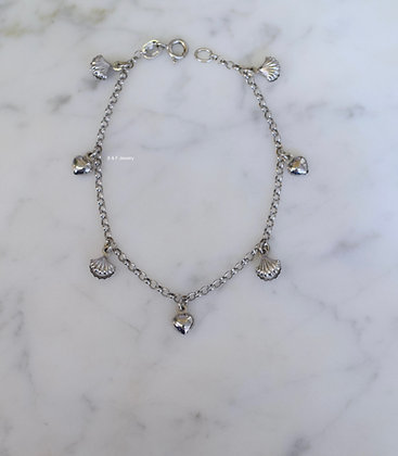 18K White Gold Heart And SeaShell Pearl Charm Bracelet  18K White Gold Heart And