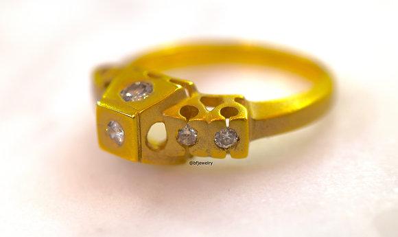 New Vintage Modern Geometric 14K Gold Diamond Ring