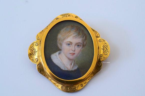 18K Gold Antique Miniature Brooch & Choker