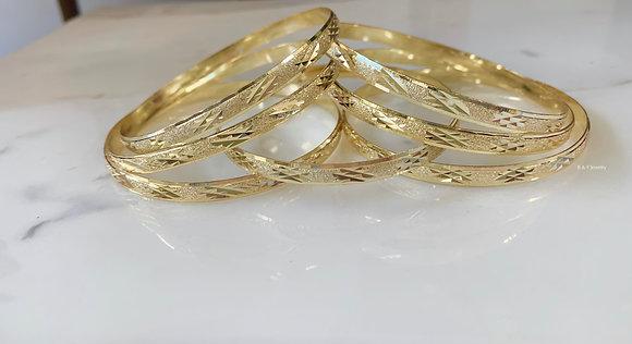 Plaid Design Gold Plated 7 Bangle Set