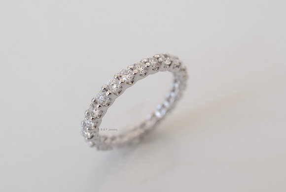 14K White Gold 1.30 Carat Round Diamond Eternity Band