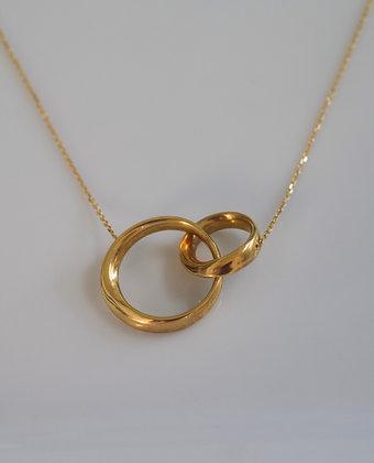 14K Yellow Gold Interlocking Two Circle Necklace