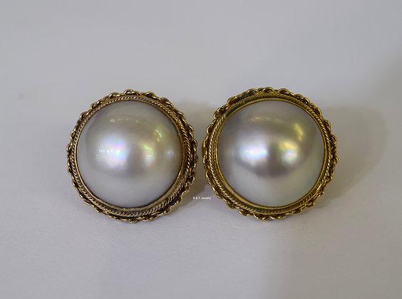 Retro 14K Gold Mabe Pearl Earrings  Retro 14K Gold Mabe Pearl Earrings  Retro 14
