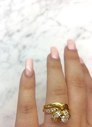 14K Yellow Gold Round Diamond Bridal Set With Chevron Band