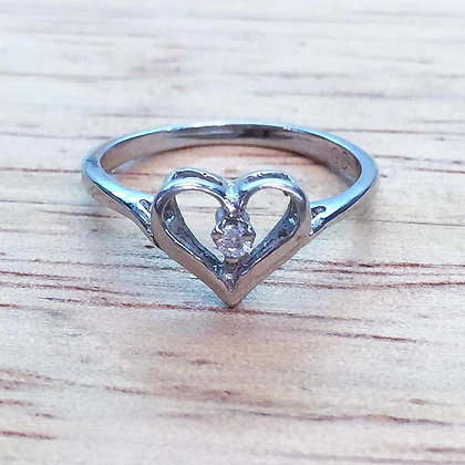 14K White Or Yellow Gold Diamond Heart Ring