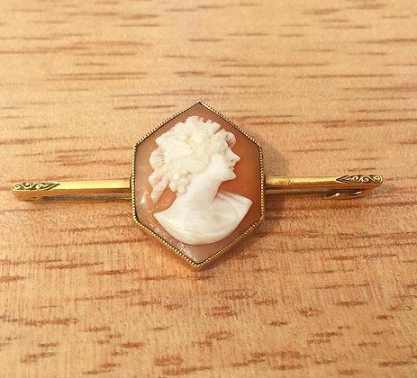 Vintage 14K Gold Cameo Brooch Pin