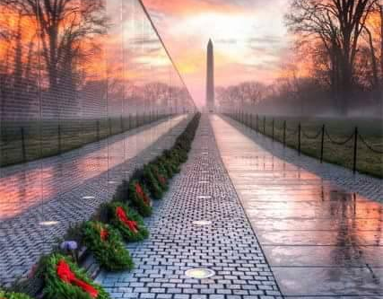 HISTORY ON THE VIETNAM WALL ...