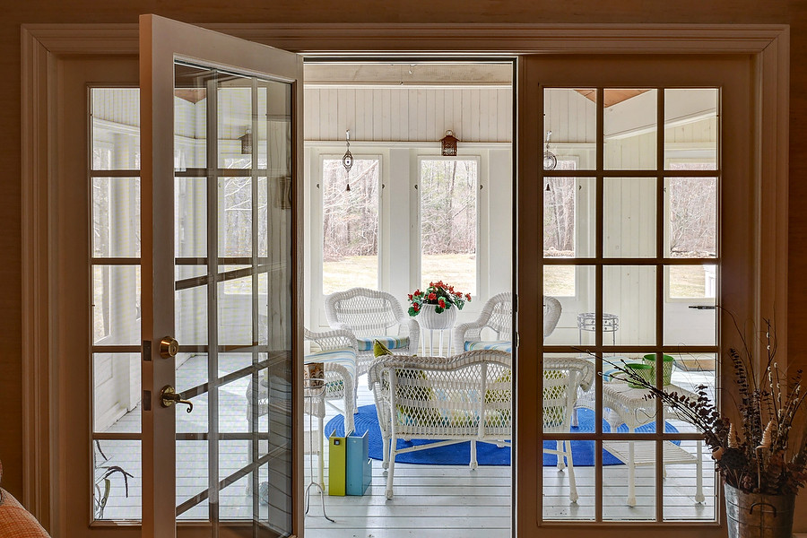 018-245 Leavitt St-Hingham-porch-KB.JPG