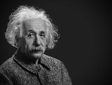アインシュタイン 白髪とヒゲの写真 科学者