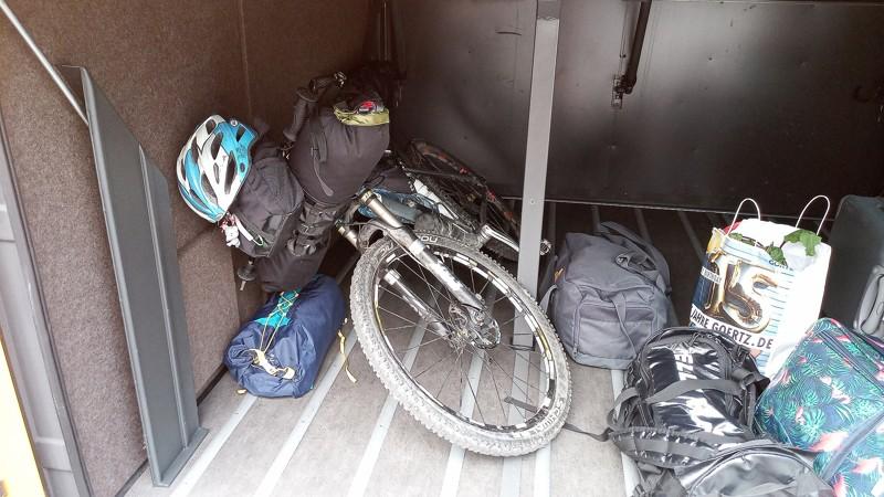 kolo v autobuse