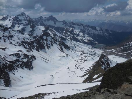 Souboj zimy s jarem na ferratách v Ötztálských Alpách