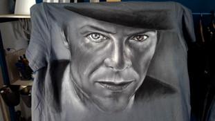 """""""David Bowie"""", T Shirt disegnata, dipinta a mano"""
