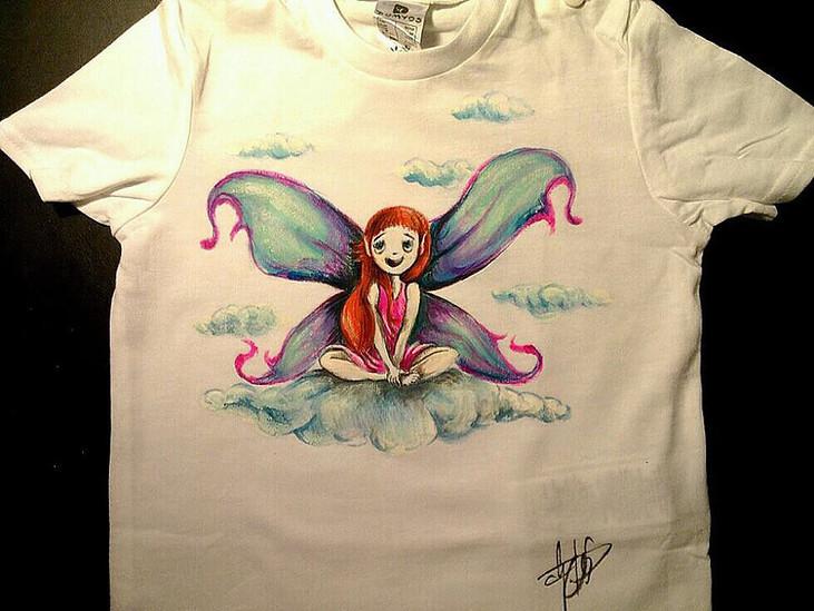 Fatina T Shirt disegnata e dipinta a man