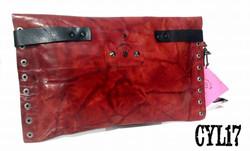 Clutch bag in pelle rossa con borchie -