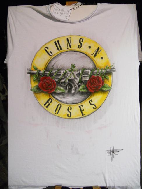 T Shirt Guns and roses