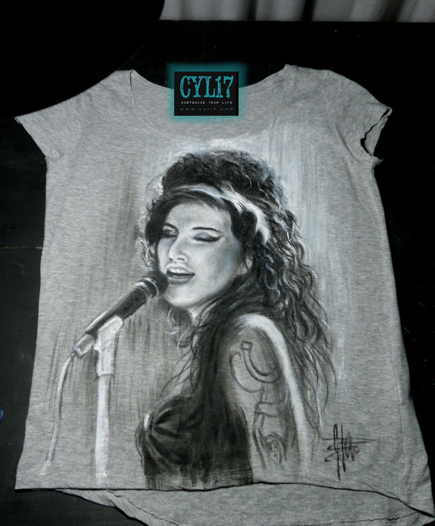 Amy Winehouse_Handpainted T Shirt