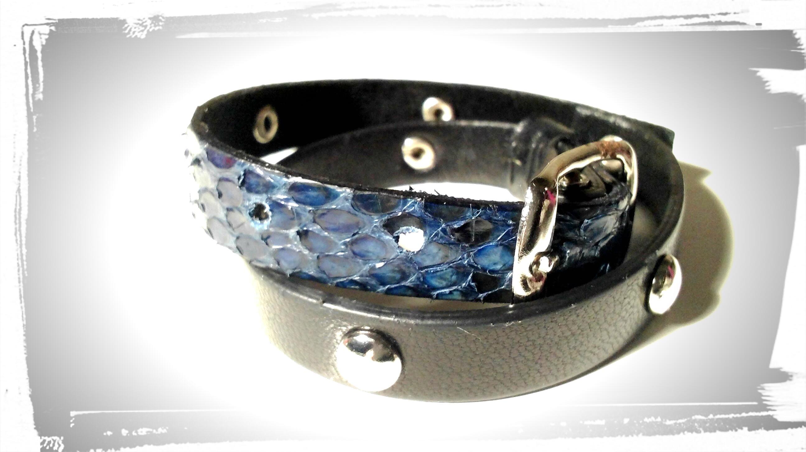 braccialetto doppio giro in pelle nera e pitone con borchie a semisfera, chiusur