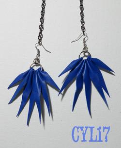 orecchini boho in pelle blu elettrico 2