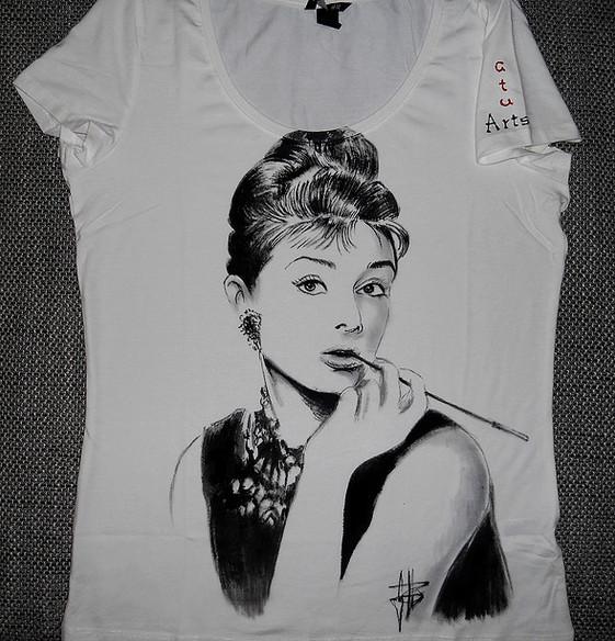 Audrey Hepbourne _2 T Shirt disegnata e