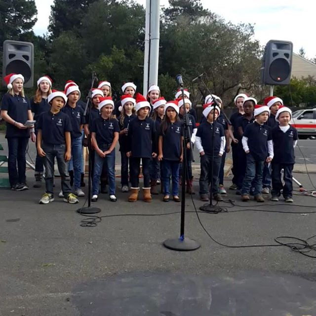 Thank you to the Lighthouse Children's Chior for spreading Christmas cheer for our community today �