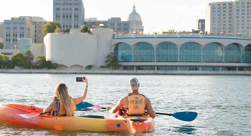Canoe, Kayak, SUP, Pontoon Rentals in Madison, WI
