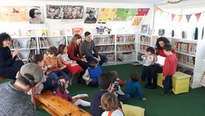 Lectura de cuentos en inglés en la biblioteca