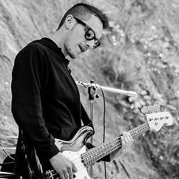 Michael Bertona basso bassista