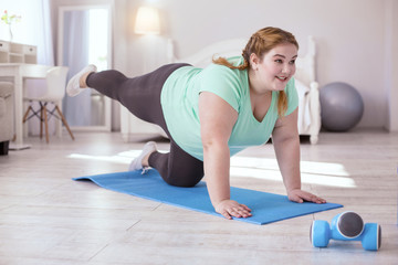 ¿Qué es mejor para bajar de peso, reducir las calorías o aumentar el ejercicio físico?