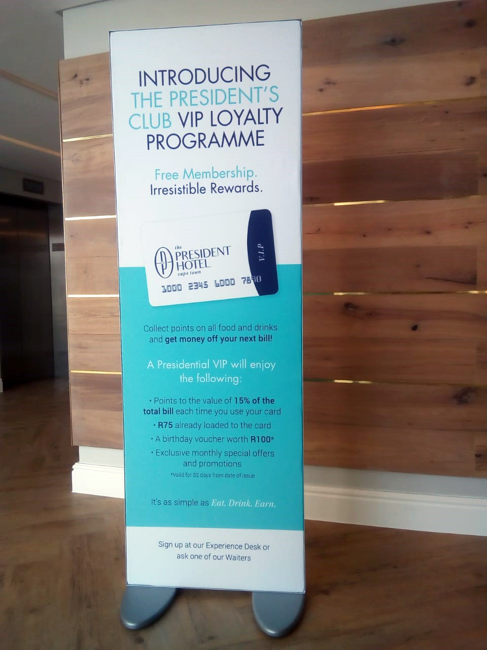 Free-standing banner