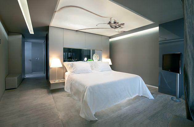 Flash ceiling lightbox